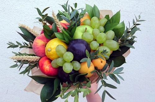Классный букет из фруктов