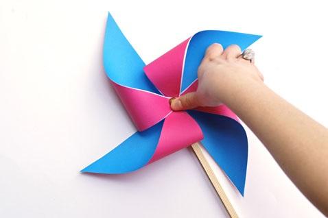 игрушка-вертушка четырехлопастная