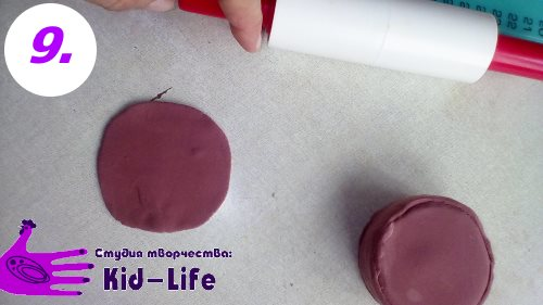 Как слепить торт из пластилина дно